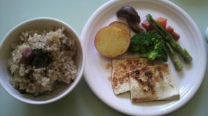 豆腐ステーキときのこご飯